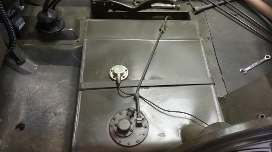 jeep-gas-tnk